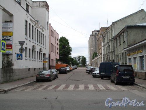г. Выборг, Вид Советской ул. от Выборгской ул. к заливу. фото июнь 2014 г.