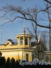 Санаторная аллея, дом 10, литера А. Жилой дом с бельведером. Фото 11 февраля 2015 года.