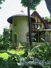 Берёзовая 2-я аллея, д. 32. Дачный особняк Е. К. Гаусвальд. Боковая башня. фото июль 2017 г.