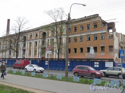 Липовая аллея, д. 15. Разрушение жилого дома. фото май 2015 г.