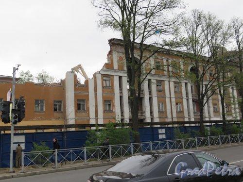 Липовая аллея, д. 15. Развалины дома 1930-х гг. фото май 2015 г.