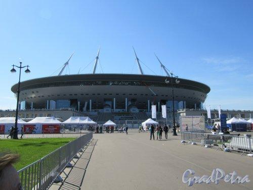 Футбольная аллея, д. 1. «Газпром Арена», 2008-2016, арх. Кисё Курокава. Общий вид. фото май 2018 г.