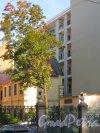 Конногвардейский бульвар, дом 5, литера Б. Вид на балконы апартаментов класса de-lux «Дом Монферран». Фото 21 сентября 2014 года.