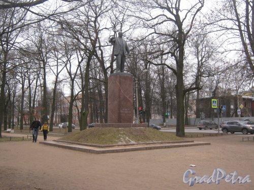 Г. Пушкин. Памятник Эрнсту Тельману на Софийском бульваре. Фото 1 марта 2014 г.