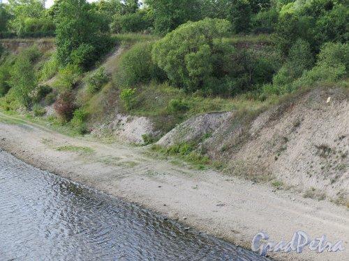 Река Волхов в пределах г. Волхов. фото август 2014 г.