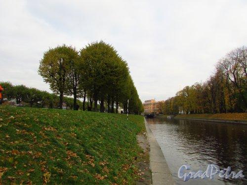 Перспектива реки Мойки от 2-го Садового моста в сторону 1-го Садового моста. Фото 20 октября 2016 года.