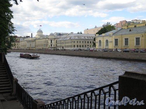 Перспектива реки Фонтанки от Пантелеймоновского моста. фото июнь 2016 г.