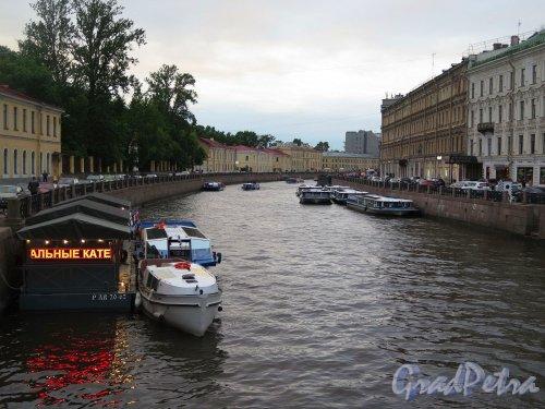 Река Мойка в Белую ночь. Вид с Зеленого моста. фото июль 2017 г.