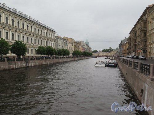 Мойка, река (СПб). Вид реки с Синего моста. фото июль 2017 г.