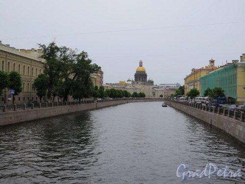 Участок реки Мойки от Поцелуева моста до Почтамтского моста. фото июль 2017 г.