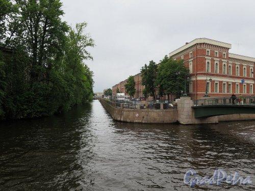Река Мойка (СПб). Вид реки в месте слияния с Крюковым каналом у Краснофлотского моста. фото июль 2017 г.