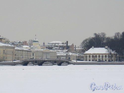 Река Фонтанка. Вид истока реки,  Прачечного моста и Летнего сада с противоположного берега Невы. фото февраль 2018 г.
