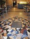 6-я линия В.О., дом 19. Мозаика на полу в Чебуречной. Фото 13 ноября 2011 года.