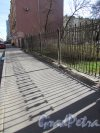 9-я линия В.О., дом 66. Ограда сквера на участке. Фото 8 апреля 2020 г.