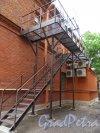 21-я линия В.О., д. 12. Родильный приют, 1906-1907. Боковой фасад. фото июнь 2018 г.