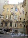 14-я линия В.О., д. 31-33. Доходный дом Д. П. Семенова-Тян-Шанского. 2-й двор. Выход на задний фасад д. 26 по 13-й линии. Фото июнь 2018 г