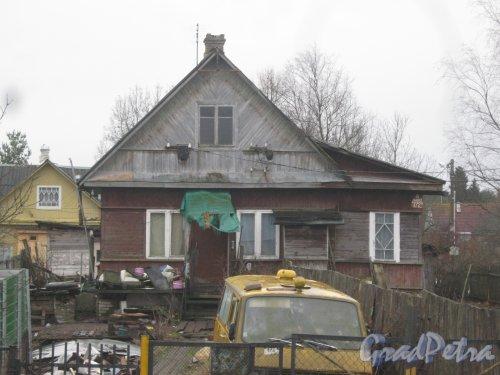 Лен. обл., Гатчинский р-н, пос. Сусанино, Вокзальная сторона, 6-я линия, дом 172а. Общий вид. Фото 8 января 2014 г.