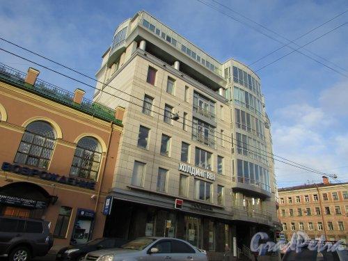 9-я линия В.О., дом 62 / Малый проспект В.О., дом 22.  Фасад здания со стороны 9-й линии. Фото 29 сентября 2015 года.