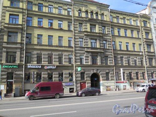 9-я линия В.О., д. 16. Доходный дом В.О. и О.В. Ковалевских, 1878-79, арх. П.Ю. Сюзор. Общий вид фасада. фото сентябрь 2015 г.