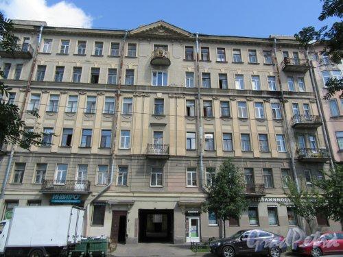 6-я линия В.О., д. 43. Доходный дом, 1913,-14, арх. Д.А. Шагин. Общий вид фасада. фото май 2018 г.