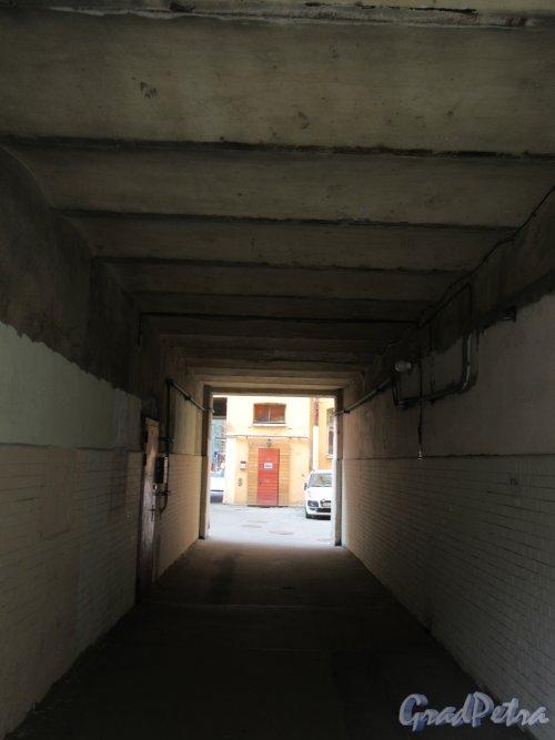 20-я линия В.О., д. 13. Доходный дом П.Г. Франк. Арка внутридворового прохода. фото июнь 2018 г.