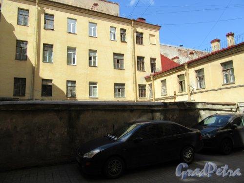 8-я линия В.О., д. 41. Доходный дом А. Г. Трамбицкого. 2-й проходной двор. фото июнь 2018 г.