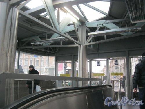 Станция метро «Спортивная-2». Наземный вестибюль. Фото 3 марта 2016 г.