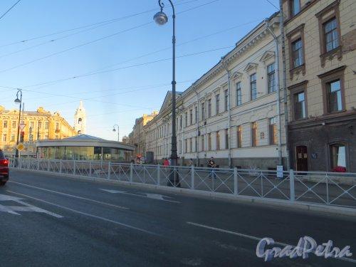 Наземный павильон станции метро «Спортивная-2». Фото 9 августа 2015 года.