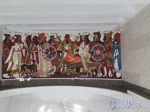 Cтанция метро «Спортивная». Мозаичное панно над над наклонным туннелем эскалатора, худ. А. К. Быстров. Фото апрель 2014 г.