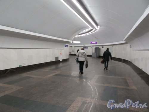 Cтанция метро «Спортивная». Вид прохода между станциями «Спортивная-1» «Спортивная-2». Фото Февраль  2018 г.