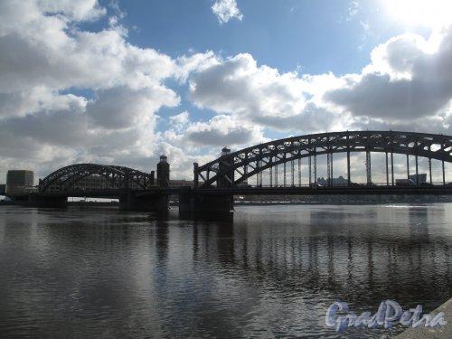 Большеохтинский мост. Вид со стороны Синопской наб. Фото март 2014 г.