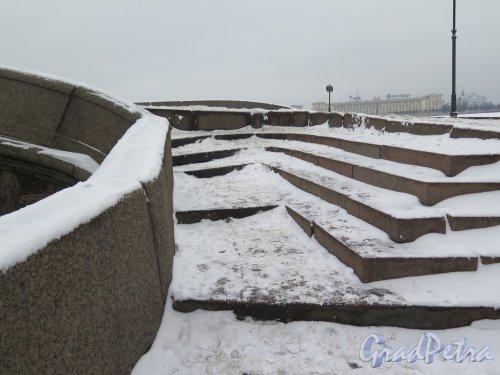Прачечный мост подъем на мост с Фонтанки зимой. Фото февраль 2016 г.