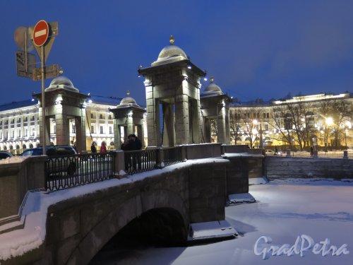 Мост Ломоносова и Площадь Ломоносова при ночном освещении. фото февраль 2016 г.