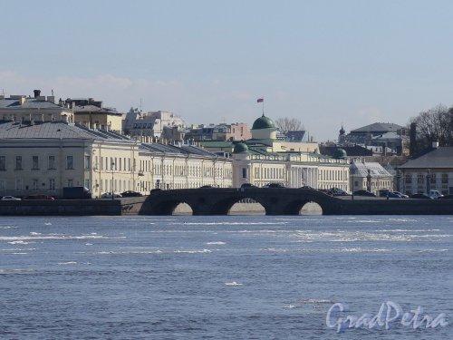 Прачечный мост. Вид моста с противоположного берега Невы. фото апрель 2018 г.