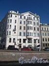 наб. канала Грибоедова, д. 83. Доходный дом В. П. Лихачева. Общий вид со стороны канала. Фото март 2014 г.