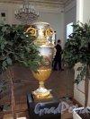 Наб. реки Фонтанки, д. 21. Шуваловский дворец. Декоративная напольная ваза. фото февраль 2018 г.