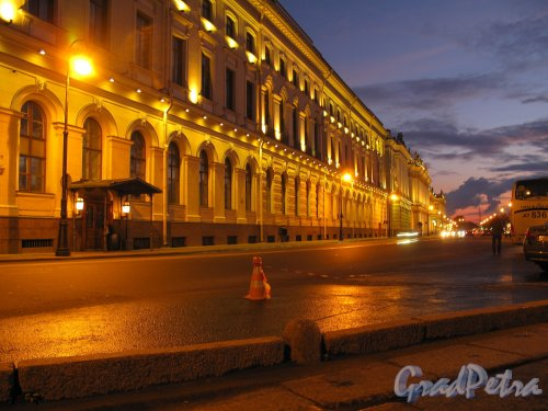 Дворцовая наб. Эрмитаж в ночном освещении. Фото сентябрь 2011 г.