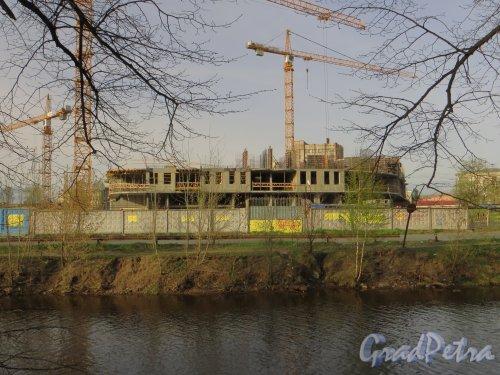 наб. реки Смоленки, дом 3. Строительство нового корпуса. Фото 30 апреля 2014 года.