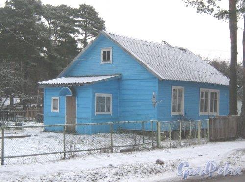 Лен. обл., Выборгский р-н, г. Приморск, наб. Юрия Гагарина, дом 58. Общий вид. Фото 7 декабря 2013 г.