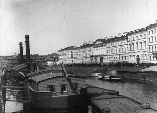 Екатерининский институт. Общий вид здания института. Фото май 1908 года.