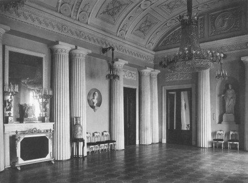 Арапский зал в Зимнем дворце. Фото 1917 года.