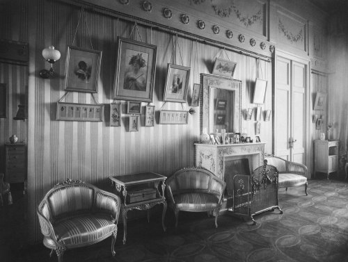 Зимний дворец. Будуар императрицы Александры Федоровны. Фото 1917 года.