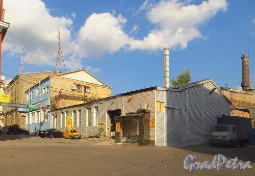 набережная реки Карповки, дом 5, литера Г. Часть здания до сноса пристройки. 8 сентября 2014 года.