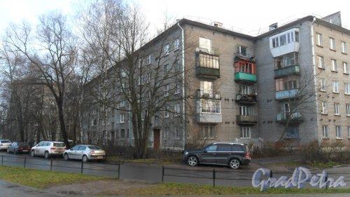 Набережная Черной Речки, дом 26. 5-этажный жилой дом серии 1-528кп10 1960 года постройки. 3 парадные. 60 квартир. Фото 7 декабря 2015 года.