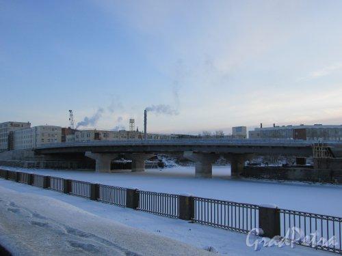 Набережная Обводного канала. Новый мост через «Французский ковш» в створе строящейся набережной Обводного канала. Фото 5 января 2016 года.