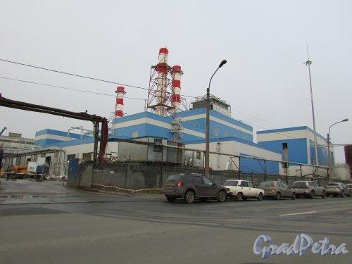 Набережная Обводного канала, дом 76, литера У. Строительство тепловой газотурбинной электростанции (ГТУ-ТЭЦ). Вид с Рыбинской улицы. фото 3 декабря 2015 года.