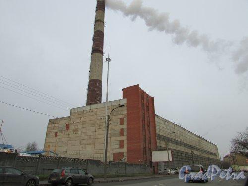 набережная Обводного канала, дом 76, литера Ж. Общий вид ЭС-1 Центральная ТЭЦ до реконструкции с Рыбинской улицы. Фото 3 декабря 2015 года.