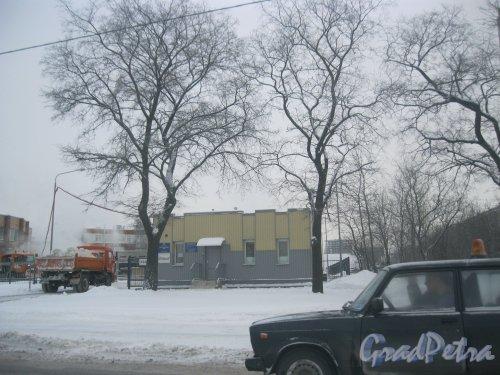 Октябрьская набережная, дом 2. Стационарный снегоплавильный пункт. Общий вид. Фото 15 января 2016 г.