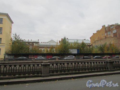 набережная канала Грибоедова, дом 51. Состояние участка на октябрь 2016 года. Фото 17 октября 2016 года.