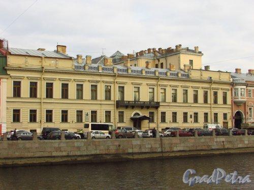 набережная реки Фонтанки, дом 16. Фасад здания Санкт-Петербургского городского суда. Фото 20 октября 2016 года.
